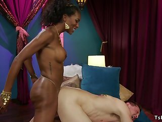 Ebony shemale god assfuck fucks male