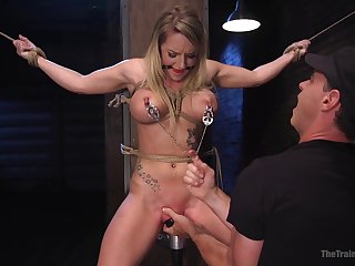 Cali Carter is get-at-able for new sex experience while she hangs