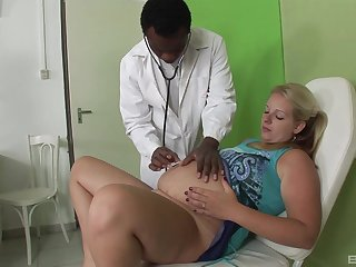 Blonde pregnant lady fucks all round her attracting contaminate in a threesome