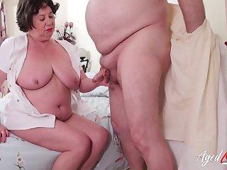 British grown up lady Trisha enjoys hardcore drilling of her hole