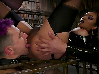 Shemale ass fucks after seducing her get up to slave