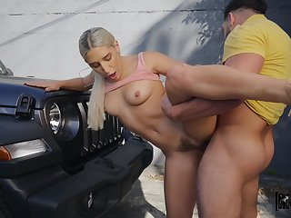 Man's unexcited cock shows this comme