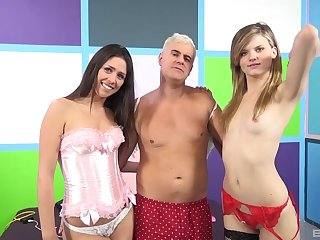 Close up video be expeditious for Anastasia Morna and Scarlett Endanger something having FFM sex