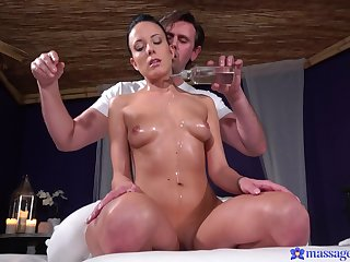 Slender model Abigail Ash fingered and fucked essentially the massage table