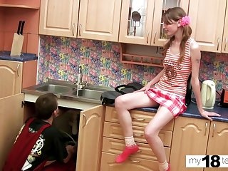 Skinny Teen Deepthroat and Doggystyle Dealings surrounding Plumber