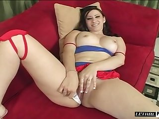 After blowing massive BBC white whore with small tits gets cuni furtively