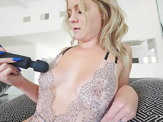 Close up homemade video of mature Lisey pleasuring her cravings