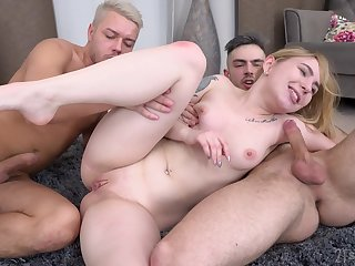 Petite girl ass fucked in a double XXX domicile threesome
