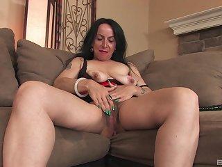 Homemade solo video be proper of hairy mature Nina Swiss masturbating